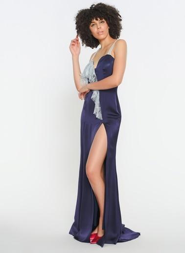 Zeynep Ökmen Tek Omzu Ve Önünde Dantel Detaylı Krep Saten Yırtmaçlı Elbise Mor